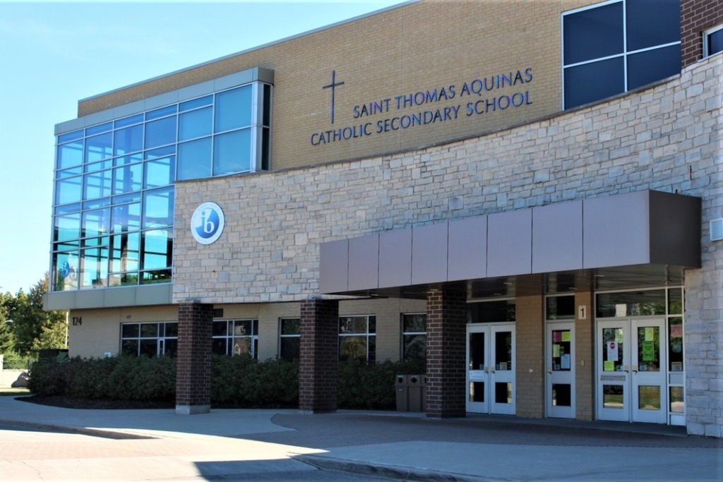 st thomas aquinas high school oakville